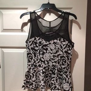 Black and Cream sleeveless top. Size S